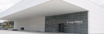 La Caja Blanca alberga la exposición 'MálagaCrea Artes Visuales OFF' con las obras de diez jóvenes artistas