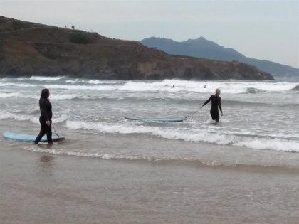 Prohibido el baño en las playas de Euskadi debido a las condiciones meteorológicas adversas