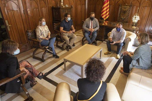 La reunió de l'alcalde de Terrassa, Jordi Ballart, amb la consellera de Salut, Alba Vergés.