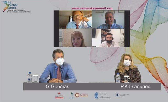 Varios ponentes participan en el congreso 'No smoke summit' que aboga por impulsar estrategias de reducción de daño en el control del tabaquismo