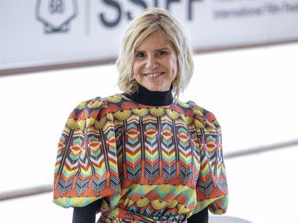 Eugenia Martínez de Irujo reaparece en San Sebastián con su look más otoñal