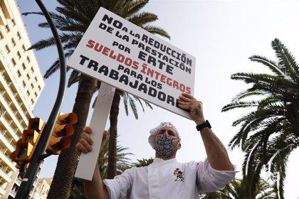 Los hosteleros organizan una caravana de coches el martes en Madrid para reivindicar la prórroga de los ERTEs