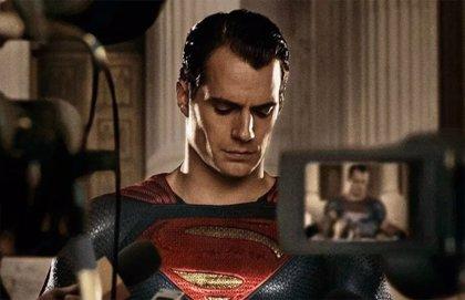 ¿Rodará Henry Cavill (Superman) los reshoots de Liga de la Justicia de Zack Snyder?