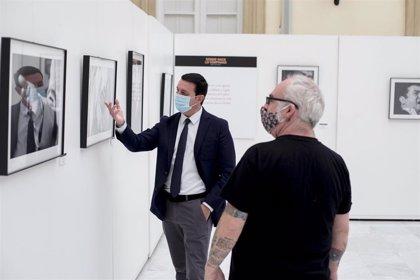 La exposición sobre flamenco 'Donde nace lo temprano' inicia su recorrido por Almería en el Patio de Luces de Diputación