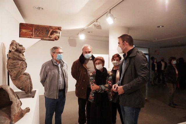 Inauguración de la exposición 'Arte Ingenuo. Colección Santos Lloro'.