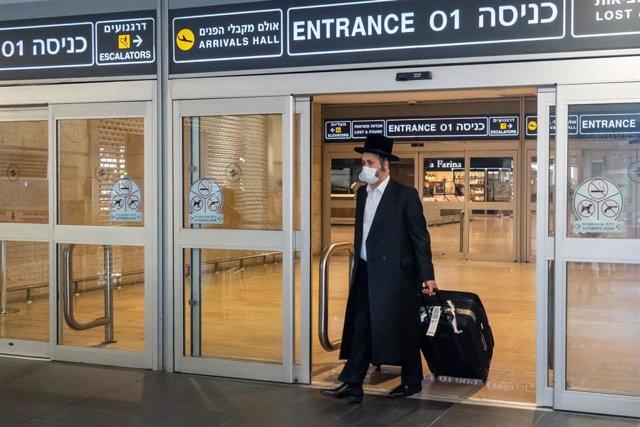 Imagen de archivo de un aeropuerto de Israel durante la pandemia