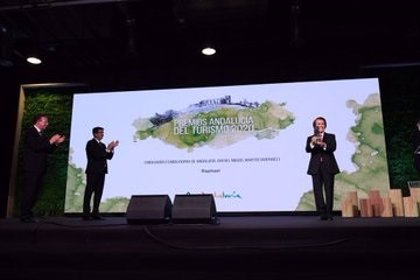 """La Junta reconoce el """"esfuerzo"""" del sector turístico en la entrega de los Premios Andalucía de Turismo 2020"""