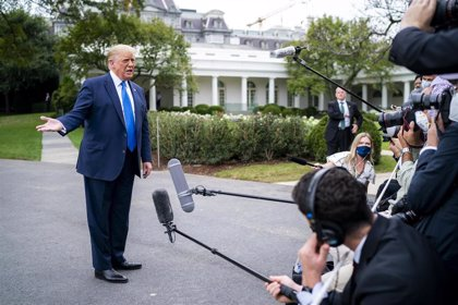 """Trump dice que Amy Coney Barret, favorita para la vacante del Tribunal Supremo, es """"sobresaliente"""""""