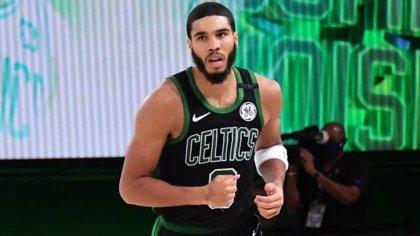Tatum rescata a los Celtics de la eliminación ante Miami