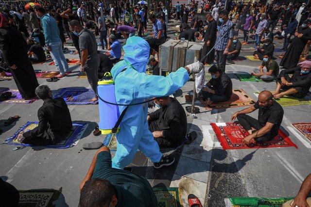 Tareas de desinfección en Ciudad Sadr, en Irak