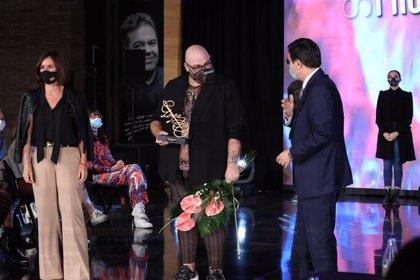 Los diseñadores Antonio Arcos y Paula Tobías se alzan como ganadores del certamen 'Aguja Goyesca'