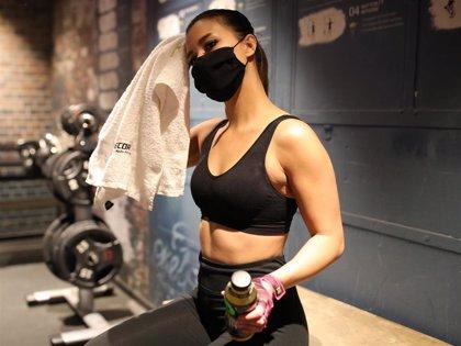 Descubre los mitos y las verdades de hacer deporte con mascarilla
