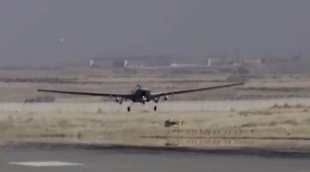 Dron del Ejército turco de camino a una misión de bombardeo contra el PKK en el norte de Irak