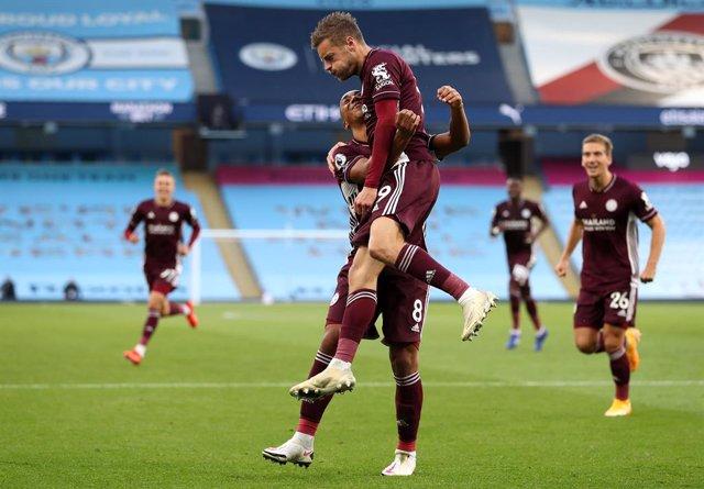 Fútbol/Premier.- (Crónica) El Leicester le endosa una 'manita' al Manchester Cit