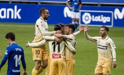 Fútbol/Segunda.- (Crónica) Raúl de Tomas impulsa al Espanyol en Oviedo y el Mallorca suma su primera victoria