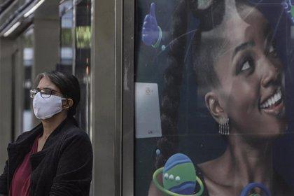 Brasil suma otros 14.000 casos de coronavirus y más de 300 muertes en el último día