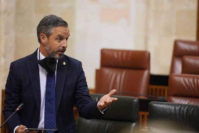 El consejero de Hacienda, Juan Bravo, en una foto de archivo en el Pleno del Parlamento de Andalucía.