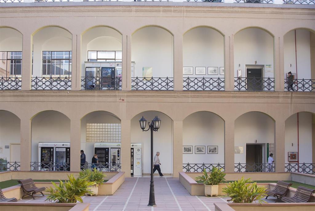 El Hospital Regional de Málaga reorganiza la hospitalización frente al COVID-19 2