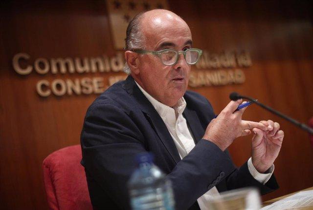 El viceconsejero de Salud Pública y Plan Covid-19, Antonio Zapatero, informa sobre las nuevas medidas de protección frente a la evolución del Covid-19 en la región, a 25 de septiembre de 2020.