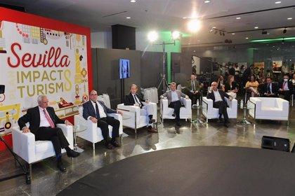 El Ayuntamiento de Sevilla confía a Juan García González la coordinación del Plan8 de turismo