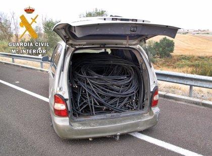 La Guardia Civil detiene a un hombre por robar 2.300 kilos de cable de cobre en Olivenza y busca a su cómplice