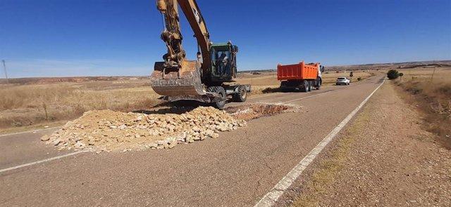 Obras de reparación de blandones en la provincia de Segovia.