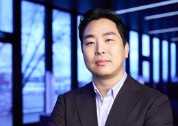 Seon- Il Hwang, vicepresidente de marca, comunicac