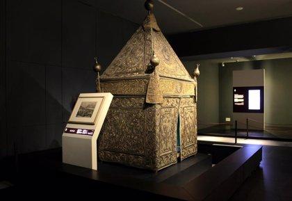 """El Museo Arqueológico reúne coranes chinos o lámparas de mezquita hechas en Viena para mostrar el """"intercambio cultural"""""""