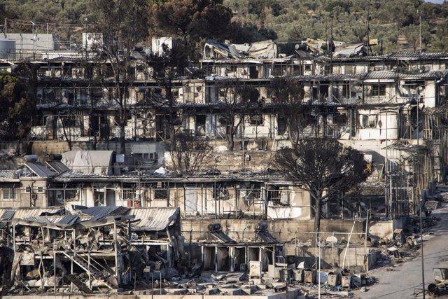 Campament de Mória, a Lesbos, destruït per les flames