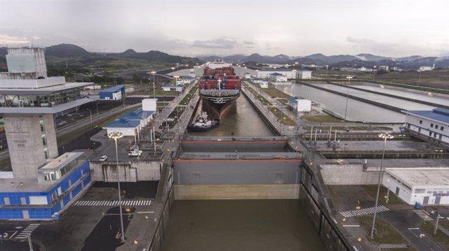 Economía.- Sacyr cae un 20% en Bolsa tras el laudo sobre el Canal de Panamá que