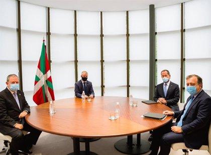 Abanca mantiene un encuentro con el Gobierno vasco y reúne su consejo en San Sebastián