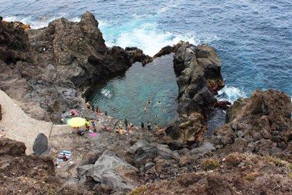 El Ayuntamiento de San Juan de la Rambla (Tenerife) cierra el acceso al charco de La Laja