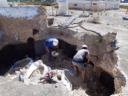 Paterna restaura cuevas municipales y adecua el entorno de la Torre 4