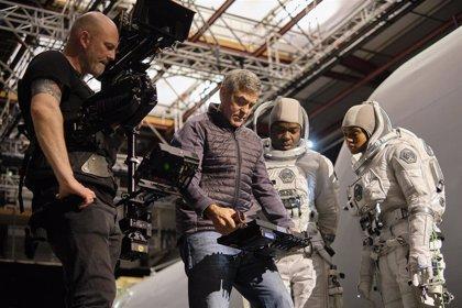 Primeras imágenes de 'Cielo de medianoche', lo nuevo de George Clooney llegará en diciembre a Netflix