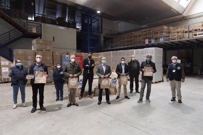 El Consorcio de Residuos entrega 200.000 envases para promover que alimentos excedentes lleguen a los más necesitados