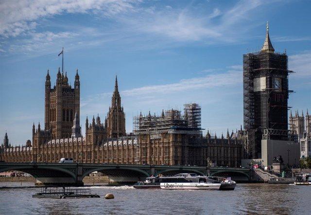 Coronavirus.- El bar del Parlamento británico limitará su actividad tras quedar