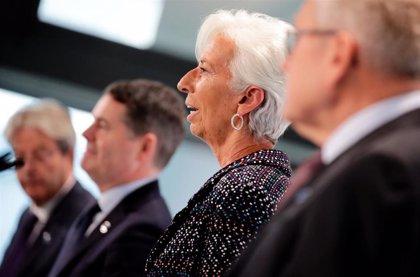 """UE.- Lagarde afirma que los ERTE y los avales públicos siguen siendo """"fundamentales"""" para sostener la economía"""