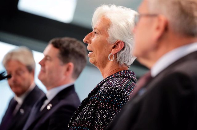 11 September 2020, Berlin: (L-R) Paolo Gentiloni, European Commissioner for Economic Affairs, Paschal Donohoe, President of the Eurogroup, Christine Lagarde, President of the European Central Bank (ECB), and Klaus Regling, Managing Director of the Europea