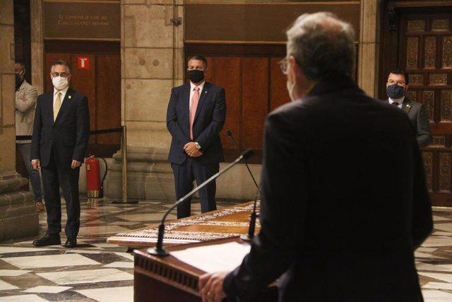 Acte de presa de possessió en el Palau de la Generalitat dels consellers Ramon Tremosa i Miquel Sàmper, amb el president de la Generalitat, Quim Torra, el 3 de setembre de 2020.