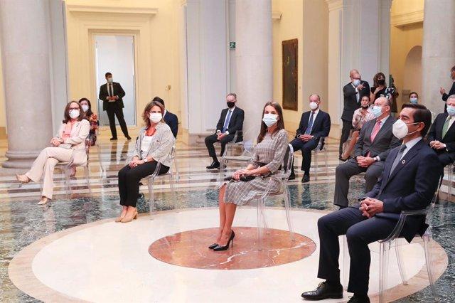 Economía.- La Reina da visibilidad al esfuerzo de las mujeres frente al virus en