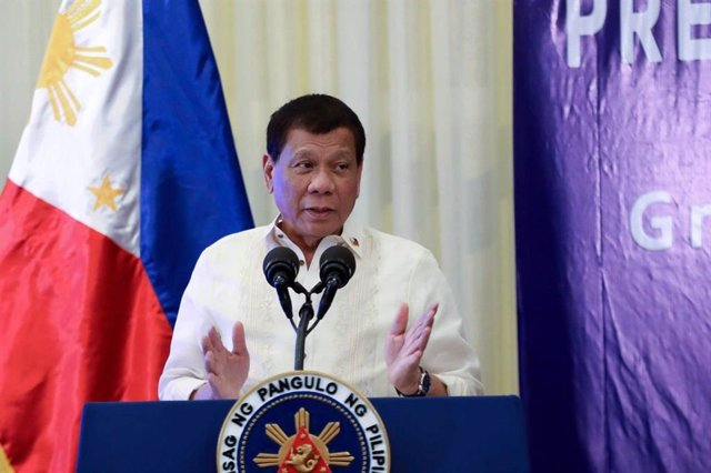 Filipinas.- Duterte reprocha a Facebook que haya borrado cuentas afines a él y v