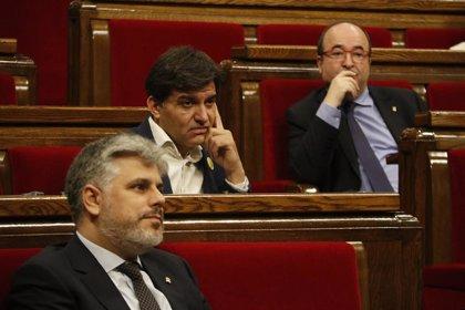 JxCat y ERC piden en el Parlament un pleno sobre la inhabilitación de Torra y que comparezca