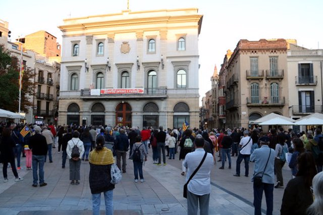 La concentració a la plaça de l'Ajuntament d'Igualada. 28 de setembre de 2020. (Horitzontal)