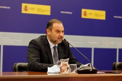 """Ábalos dice que el Gobierno no se puede """"desresponsabilizar"""" ante la situación en Madrid e intervendrá si llega el caso"""