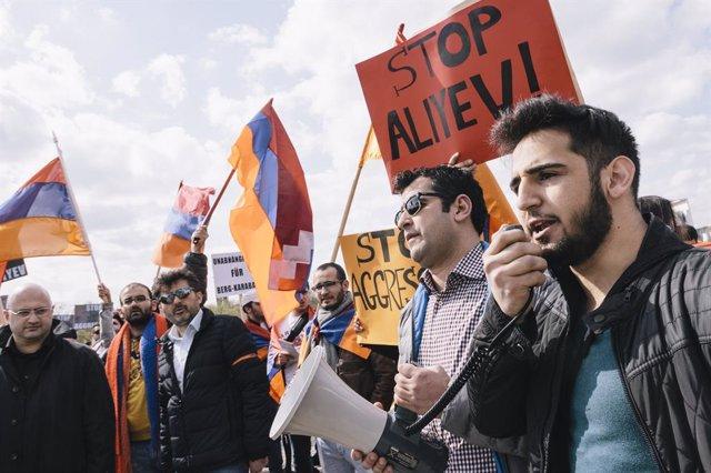 Manifestación de la comunidad armenia en Berlín, Alemania, contra las políticas