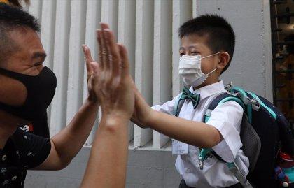 China confirma una docena de casos importados de coronavirus y sigue sin casos de transmisión local
