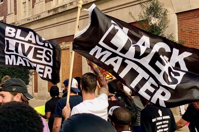 EEUU.- Indemnizan con 20 millones dólares a la familia de un afroamericano asesi