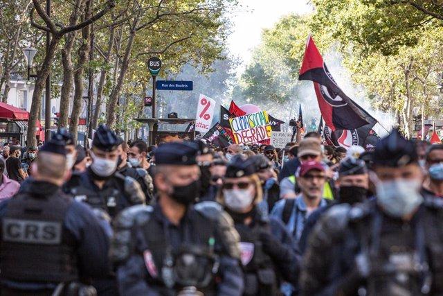 Manifestació convocada pels sindicats CGT, FSU i Solidaires a París