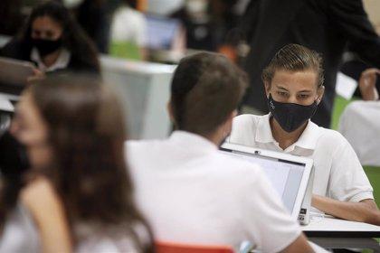 España es uno de los países donde menos se fomenta y usa las tecnologías en la enseñanza, según el informe PISA