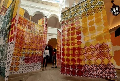 La artista extremeña Isabel Flores expone en Mérida la instalación pictórica 'Pattern Reveal'